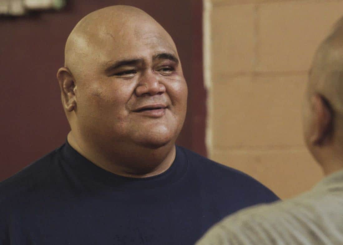 """""""E uhi wale no 'a'ole e nalo, he imu puhi"""" -- The lives of Five-0's informants are in danger when the HPD system is hacked and one ends up dead, forcing McGarrett to enlist the help of hacker Aaron Wright (Joey Lawrence), who he just imprisoned, on HAWAII FIVE-0, Friday, Oct. 20 (9:00-10:00 PM, ET/PT) on the CBS Television Network. Pictured: Taylor Wily as Kamekona. Photo credit: Screengrab/©2017 CBS Broadcasting, Inc. All Rights Reserved.   (""""E uhi wale no 'a'ole e nalo, he imu puhi"""" is Hawaiian for """"No Matter How Much One Covers a Steaming Imu, The Smoke Will Rise"""")"""
