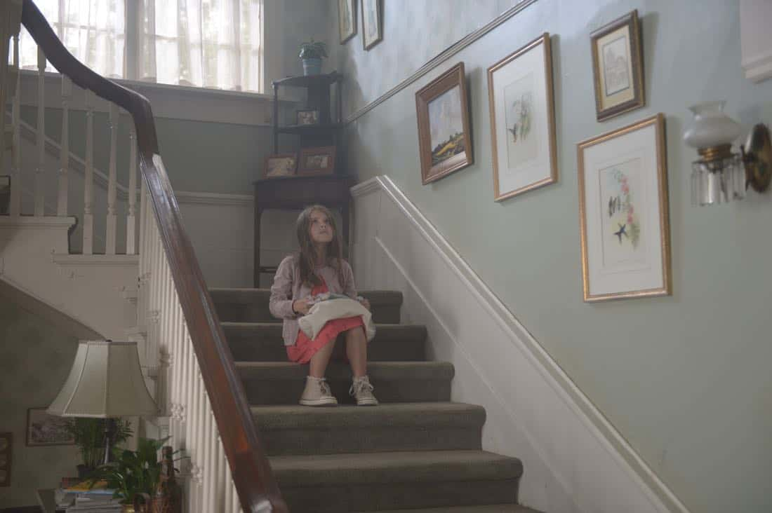 """THE EXORCIST:  Guest star Amelie Eve in the """"One For Sorrow"""" episode of THE EXORCIST airing Friday, Oct. 20 (9:01-10:00 PM ET/PT) on FOX.  ©2017 Fox Broadcasting Co.  Cr:  Sergei Bachlakov/FOX"""