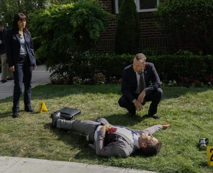 """""""Out of the Blue"""" -- Danny and Baez work the case of a detective who was gunned down prior to testifying against a career criminal. Also, Frank personally investigates when Garrett is attacked by a SWAT team outside his home, and Erin brings in a confidential informant against Anthony's wishes, on BLUE BLOODS, Friday, Oct. 20 (10:00-11:00 PM, ET/PT) on the CBS Television Network. Pictured: Marisa Ramirez, Donnie Wahlberg. Photo: John Paul Filo/CBS ©2017CBS Broadcasting Inc. All Rights Reserved."""