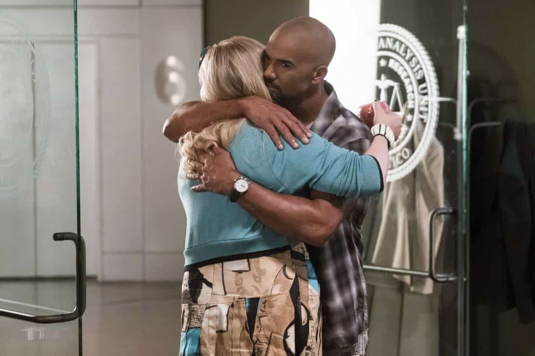 """""""Lucky Strikes"""" -- When Garcia experiences anxiety over a case that's personal to her from her past, Morgan visits to lend emotional support, on CRIMINAL MINDS, Wednesday, Oct. 25 (10:00-11:00 PM, ET/PT) on the CBS Television Network.  Pictured: Kirsten Vangsness (Penelope Garcia), Shemar Moore (Derek Morgan)   Photo: Darren Michaels/CBS ©2017 CBS Broadcasting, Inc. All Rights Reserved"""