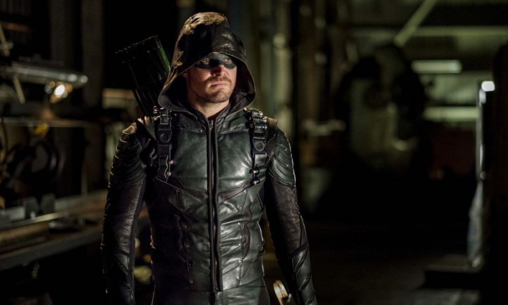 """Arrow -- """"Tribute"""" -- Image AR602b_0055b.jpg -- Pictured: Stephen Amell as Oliver Queen/The Green Arrow -- Photo: Robert Falconer/The CW -- © 2017 The CW Network, LLC. All Rights Reserved."""