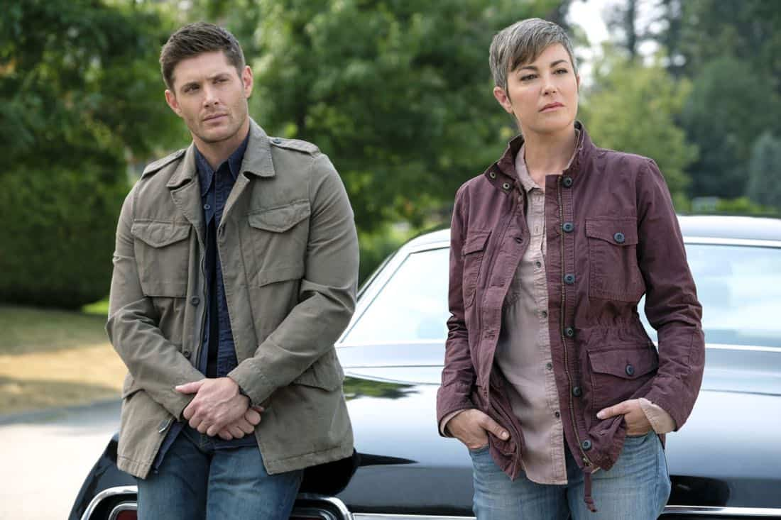 """Supernatural -- """"Patience"""" -- Image Number: SN1303a_0044.jpg -- Pictured (L-R): Jensen Ackles as Dean and Kim Rhodes as Jody Mills -- Photo: Bettina Strauss/The CW -- © 2017 The CW Network, LLC All Rights Reserved."""
