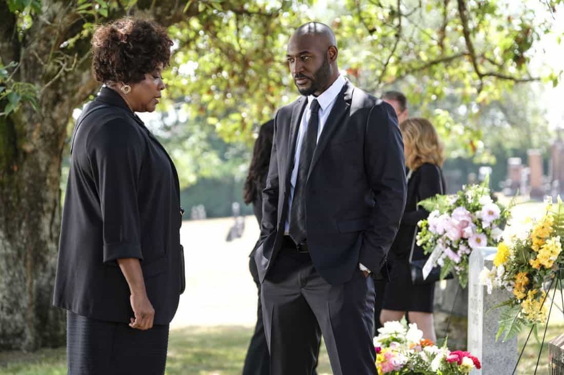 """Supernatural -- """"Patience"""" -- Image Number: SN1303b_0017b.jpg -- Pictured (L-R): Loretta Devine as Missouri and Adrian Holmes as James -- Photo: Bettina Strauss/The CW -- © 2017 The CW Network, LLC All Rights Reserved."""