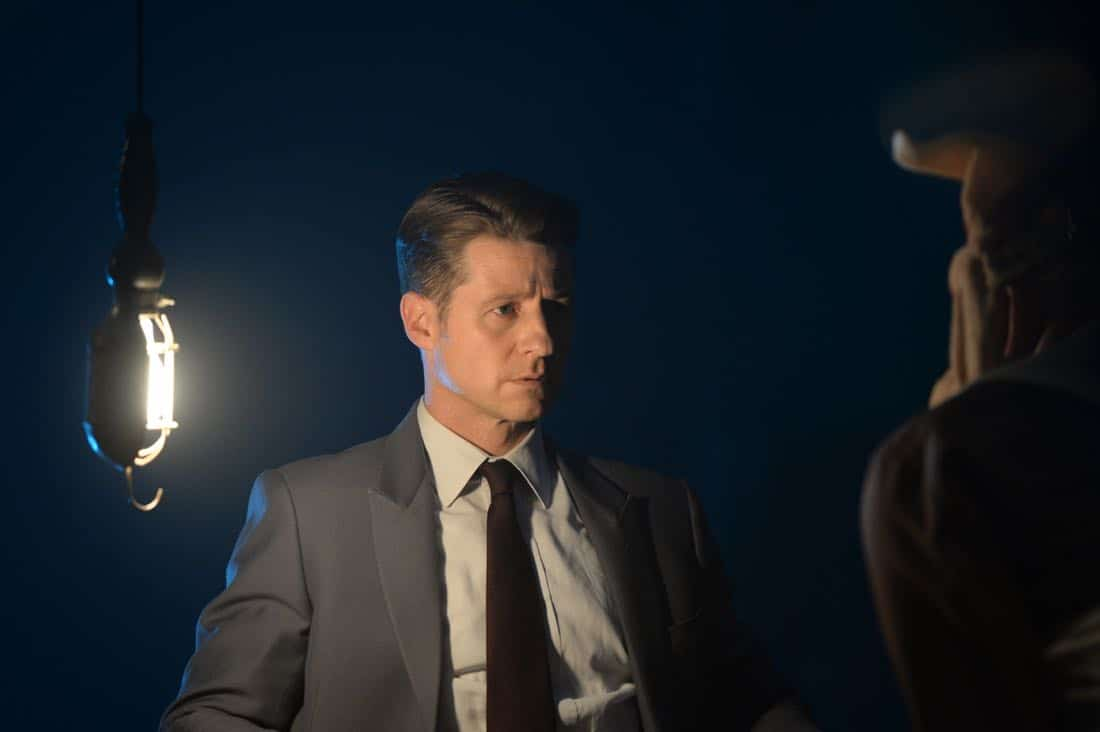 "GOTHAM: Ben McKenzie in the ""A Dark Knight: Hog Day Afternoon"" episode of GOTHAM airing Thursday, Oct. 26 (8:00-9:01 PM ET/PT) on FOX. ©2017 Fox Broadcasting Co. Cr: FOX."