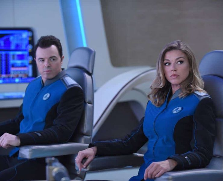 """THE ORVILLE: L-R: Seth McFarlane and Adrianne Palicki in the """"Majority Rule"""" episode of THE ORVILLE airing Thursday, Oct. 26 (9:01-10:00 PM ET/PT) on FOX. ©2017 Fox Broadcasting Co. Cr: Ray Mickshaw/FOX"""
