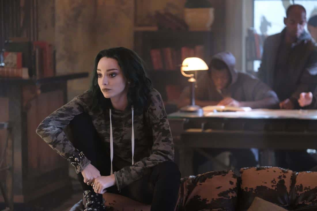 "THE GIFTED:  Emma Dumont in the ""got your siX"" episode of THE GIFTED airing Monday, Nov. 6 (9:00-10:00 PM ET/PT) on FOX.  ©2017 Fox Broadcasting Co.  Cr:  Eliza Morse/FOX"