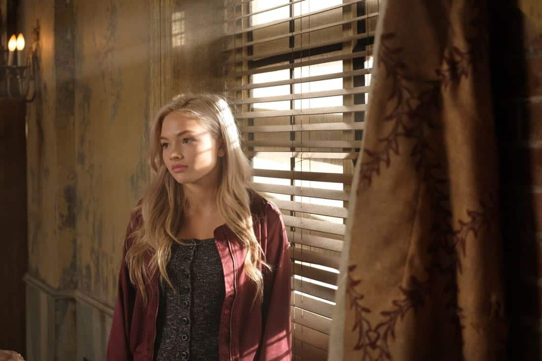 "THE GIFTED:  Natalie Alyn Lind in the ""got your siX"" episode of THE GIFTED airing Monday, Nov. 6 (9:00-10:00 PM ET/PT) on FOX.  ©2017 Fox Broadcasting Co.  Cr:  Eliza Morse/FOX"
