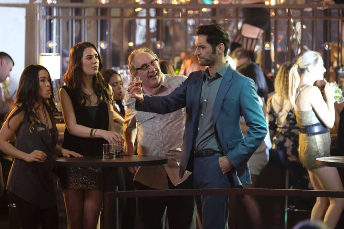 "LUCIFER: L-R: Guest star John Billingsley and Tom Ellis in the ""Off The Record"" episode of LUCIFER airing Monday, Nov. 13 (8:00-9:00 PM ET/PT) on FOX. CR:  Michael Courtney/FOX"