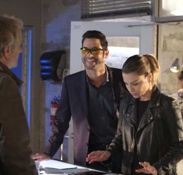 """LUCIFER: L-R: Tom Ellis and Lauren German in the """"Off The Record"""" episode of LUCIFER airingMonday, Nov. 13(8:00-9:00 PM ET/PT) on FOX. CR: Michael Courtney/FOX"""