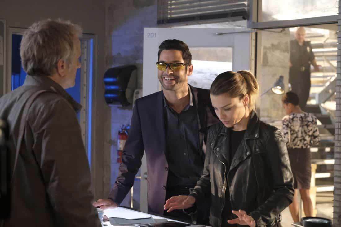 "LUCIFER: L-R: Tom Ellis and Lauren German in the ""Off The Record"" episode of LUCIFER airing Monday, Nov. 13 (8:00-9:00 PM ET/PT) on FOX. CR: Michael Courtney/FOX"