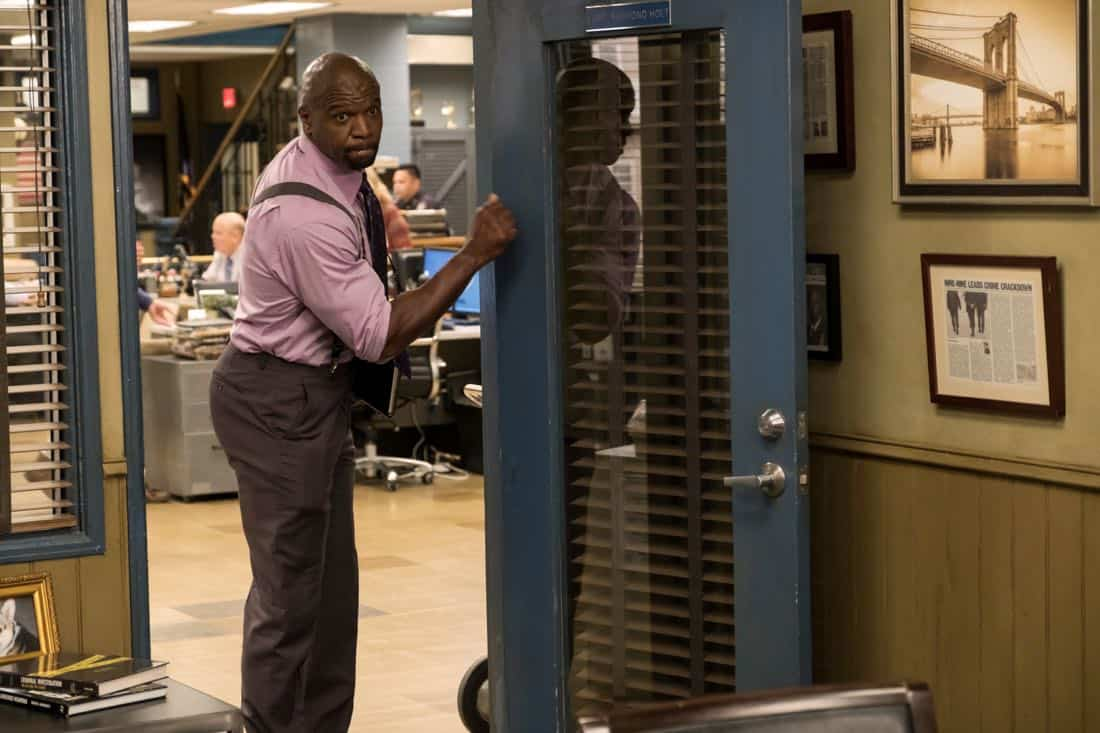 "BROOKLYN NINE-NINE: Terry Crews in the ""The Venue"" episode of BROOKLYN NINE-NINE airing Tuesday, Nov. 7 (9:30-10:00 PM ET/PT) on FOX. CR: John P. Fleenor/FOX"