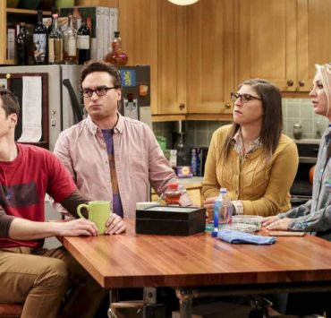 """""""The Bitcoin Entanglement"""" -- Pictured: Sheldon Cooper (Jim Parsons), Leonard Hofstadter (Johnny Galecki), Amy Farrah Fowler (Mayim Bialik) and Penny (Kaley Cuoco). Sheldon tries to teach the guys a lesson after they cut him out of a potentially valuable Bitcoin investment. Also, a seven-year-old video reveals a secret about Leonard and Penny's relationship, on THE BIG BANG THEORY, Thursday, Nov. 30 (8:00-8:31 PM, ET/PT) on the CBS Television Network. Photo: Michael Yarish/Warner Bros. Entertainment Inc. © 2017 WBEI. All rights reserved."""