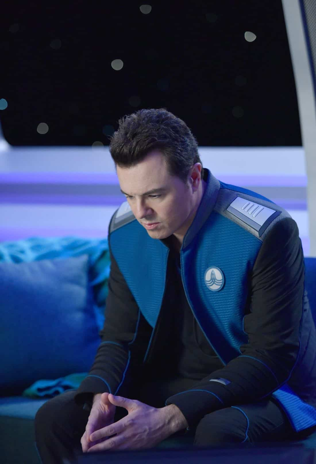 "THE ORVILLE:  Seth MacFarlane in the ""New Dimensions"" episode of THE ORVILLE airing Thursday, Nov. 30 (9:01-10:00 PM ET/PT) on FOX.  ©2017 Fox Broadcasting Co.  Cr:  Michael Becker/FOX"