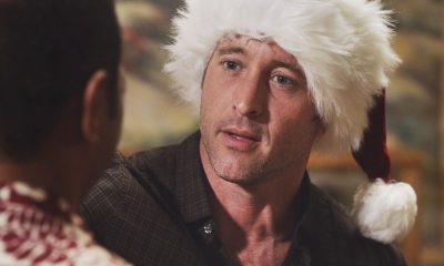 """""""Oni kalalea ke kū a ka lā'au loa""""-- It's Christmas Eve and Danny tells Charlie a bedtime story about a recent Five-0 case involving bad Santas and a holiday miracle, on HAWAII FIVE-0, at a special time, Friday, Dec. 15 (10:00-11:00 PM, ET/PT) on the CBS Television Network. Real-life military veterans Jason Redman, Steven Jackel, Kathryn Taylor-Smith and J. Eddie Martinez guest star as veterans who help McGarrett with the case. Pictured: Alex O'Loughlin as Steve McGarrett. Photo credit: Screengrab/©2017 CBS Broadcasting, Inc. All Rights Reserved. (""""Oni kalalea ke kū a ka lā'au loa"""" is Hawaiian for """"A Tall Tree Stands Above the Others"""")"""
