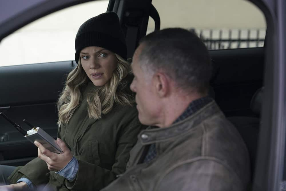"CHICAGO P.D. -- ""Rabbit Hole"" Episode 510 -- Pictured: (l-r) Tracy Spiridakos as Hailey Upton, Jason Beghe as Hank Voight -- (Photo by: Parrish Lewis/NBC)"