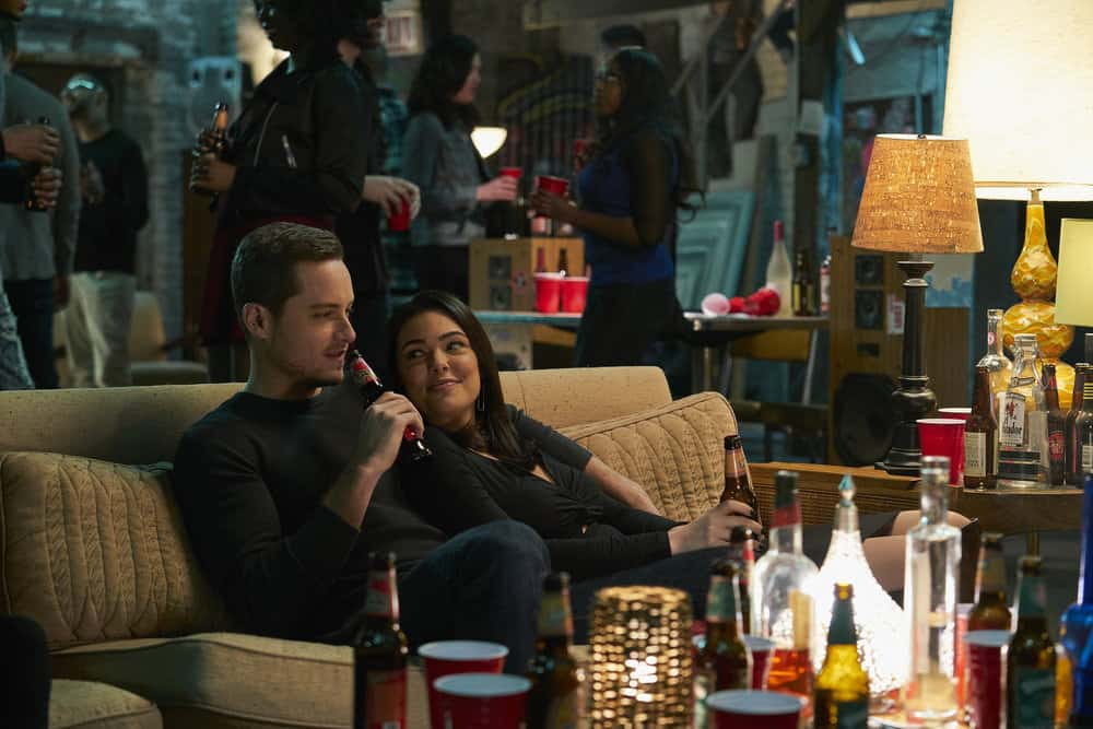"CHICAGO P.D. -- ""Rabbit Hole"" Episode 510 -- Pictured: (l-r) Jesse Lee Soffer as Jay Halstead, Anabella Acosta as Camila Vega -- (Photo by: Parrish Lewis/NBC)"