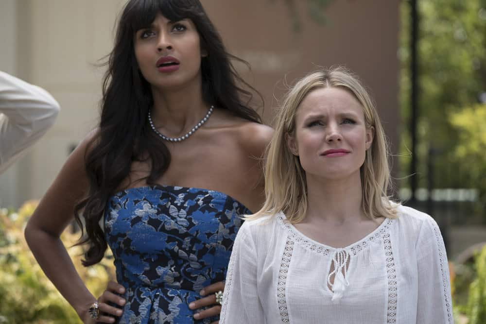 "THE GOOD PLACE -- ""Best Self"" Episode 210 -- Pictured: (l-r) Jameela Jamil as Tehani, Kristen Bell as Eleanor -- (Photo by: Colleen Hayes/NBC)"