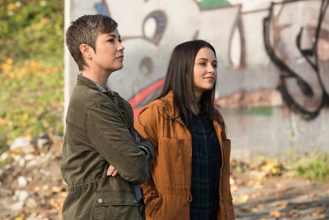"""Supernatural -- """"Wayward Sisters"""" -- Image Number: SN1310c_0103.jpg -- Pictured (L-R): Kim Rhodes as Jody Mills and Katherine Ramdeen as Alex -- Photo: Dean Buscher/The CW -- © 2017 The CW Network, LLC All Rights Reserved"""