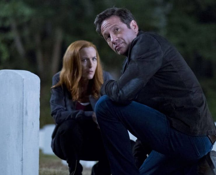 """THE X-FILES: L-R: Gillian Anderson and David Duchovny in the """"This"""" episode of THE X-FILES airing Wednesday, Jan. 10 (8:00-9:00 PM ET/PT) on FOX. ©2017 Fox Broadcasting Co. Cr: Shane Harvey/FOX"""