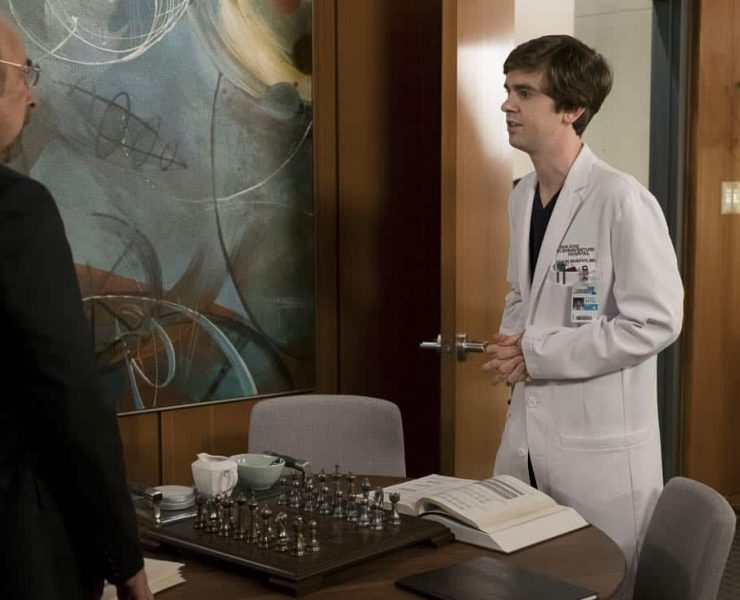 """THE GOOD DOCTOR - """"Seven Reasons"""" - Dr. Shaun Murphy suspects his patient is lying about the reason for her injury and makes a controversial assumption about her motives. Meanwhile, Dr. Neil Melendez's personal life could be affecting his work and, ultimately, his patients lives, on """"The Good Doctor,"""" MONDAY, JAN. 22 (10:01-11:00 p.m. EST), on The ABC Television Network. (ABC/Eike Schroter) RICHARD SCHIFF, FREDDIE HIGHMORE"""