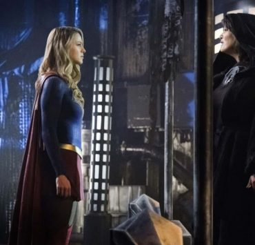 "Supergirl -- ""Fort Rozz"" -- Image Number: SPG311b_0377.jpg -- Pictured (L-R): Melissa Benoist as Kara/Supergirl and Sarah Douglas as Jindah Kol Rozz -- Photo: Michael Courtney/The CW -- © 2018 The CW Network, LLC. All rights reserved."
