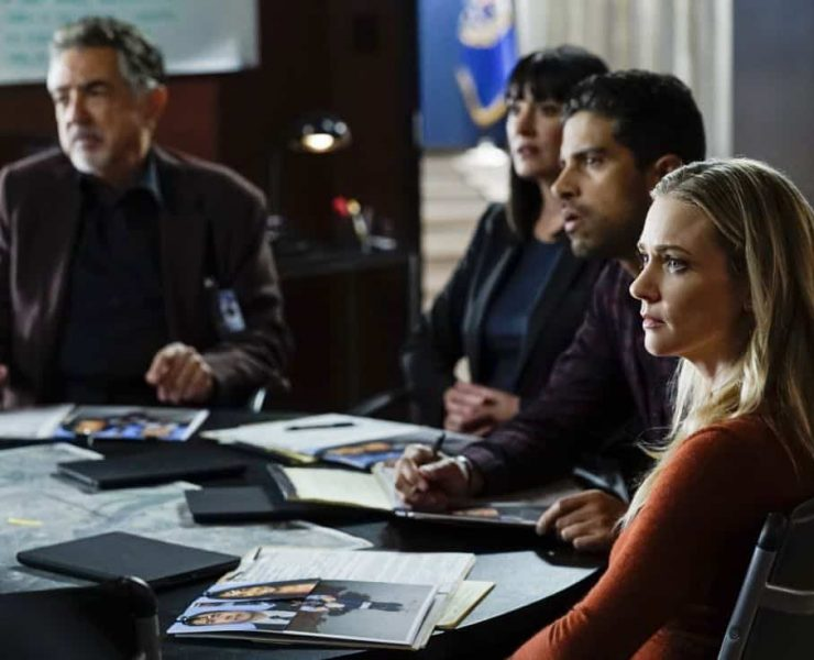 """""""Cure"""" -- The BAU is called to investigate a series of D.C. homicides where cryptic messages are found inside the mouths of each victim, on CRIMINAL MINDS, Wednesday, Jan. 24 (10:00-11:00 PM, ET/PT) on the CBS Television Network. Pictured: Joe Mantegna (David Rossi), Paget Brewster (Emily Prentiss), Adam Rodriguez (Luke Alvez), A.J. Cook (Jennifer Jareau) Photo: Cliff Lipson/CBS ©2017 CBS Broadcasting, Inc. All Rights Reserved"""