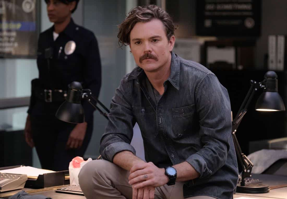 """LETHAL WEAPON: Clayne Crawford in the """"Double Shot of Bailey's"""" episode of LETHAL WEAPON airing Tuesday, Jan. 16 (8:00-9:00 PM ET/PT) on FOX. ©2017 Fox Broadcasting Co. CR: Darren Michaels/FOX"""