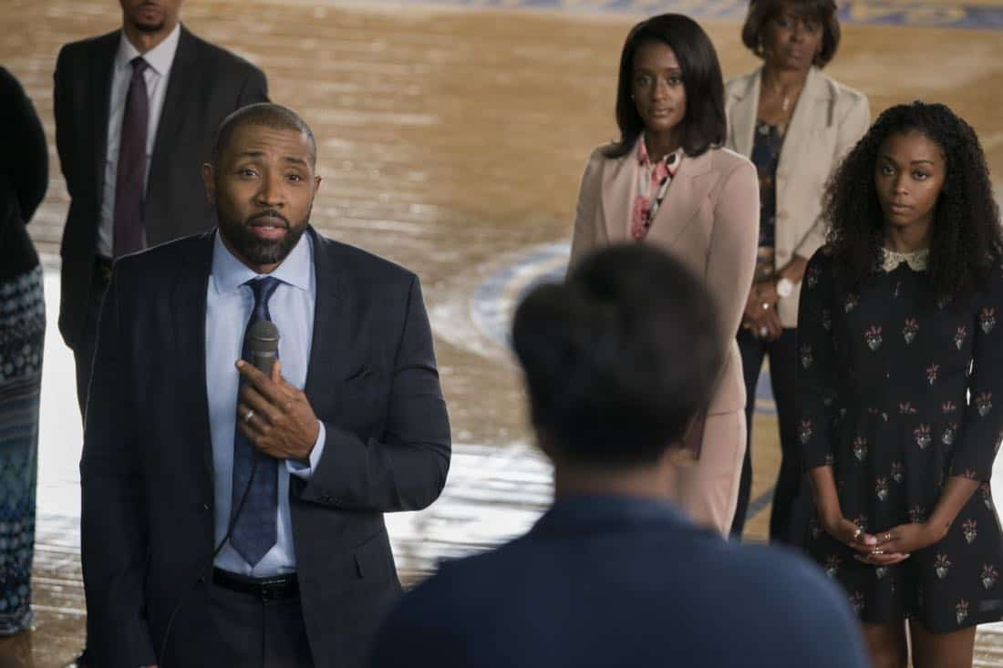 """Black Lightning -- """"LaWanda: The Book of Hope"""" -- Image BLK102b_0192r.jpg -- Pictured (L-R): Cress Williams as Jefferson Pierce, Skye P. Marshall as Ms.Fowdy and Nafessa Williams as Anissa Pierce -- Photo: Richard Ducree/The CW -- © 2018 The CW Network, LLC. All rights reserved."""