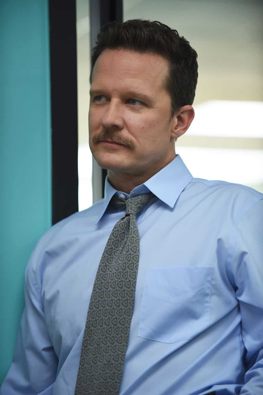 """THE ASSASSINATION OF GIANNI VERSACE: AMERICAN CRIME STORY """"Manhunt"""" Episode 2 (Airs Wednesday. January 24, 10:00 p.m. e/p) -- Pictured: Will Chase as Scrimshaw. CR: Ray Mickshaw/FX"""