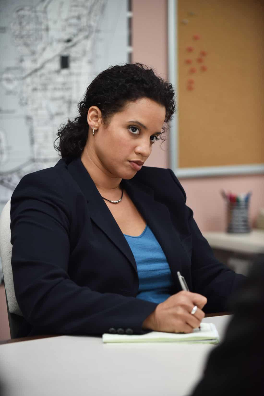 """THE ASSASSINATION OF GIANNI VERSACE: AMERICAN CRIME STORY """"Manhunt"""" Episode 2 (Airs Wednesday. January 24, 10:00 p.m. e/p) -- Pictured: Dascha Polanco as Lori. CR: Ray Mickshaw/FX"""