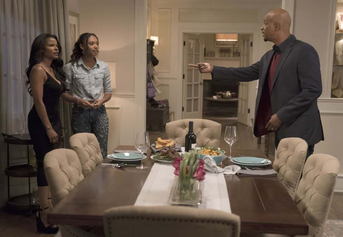 "LETHAL WEAPON: Pictured L-R: Keesha Sharp, Chandler Kinney and Damon Wayans in the ""An Inconvenient Ruth"" episode of LETHAL WEAPON airing Tuesday, Feb. 6 (8:00-9:00 PM ET/PT) on FOX. ©2018 Fox Broadcasting Co. CR: Erik Voake/FOX"