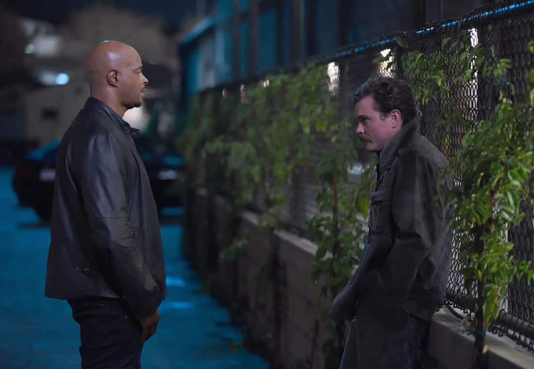 "LETHAL WEAPON: Pictured L-R: Damon Wayans and Clayne Crawford in the ""Inconvenient Ruth"" episode of LETHAL WEAPON airing Tuesday, Feb. 6 (8:00-9:00 PM ET/PT) on FOX. ©2018 Fox Broadcasting Co. CR: Ray Mickshaw/FOX"