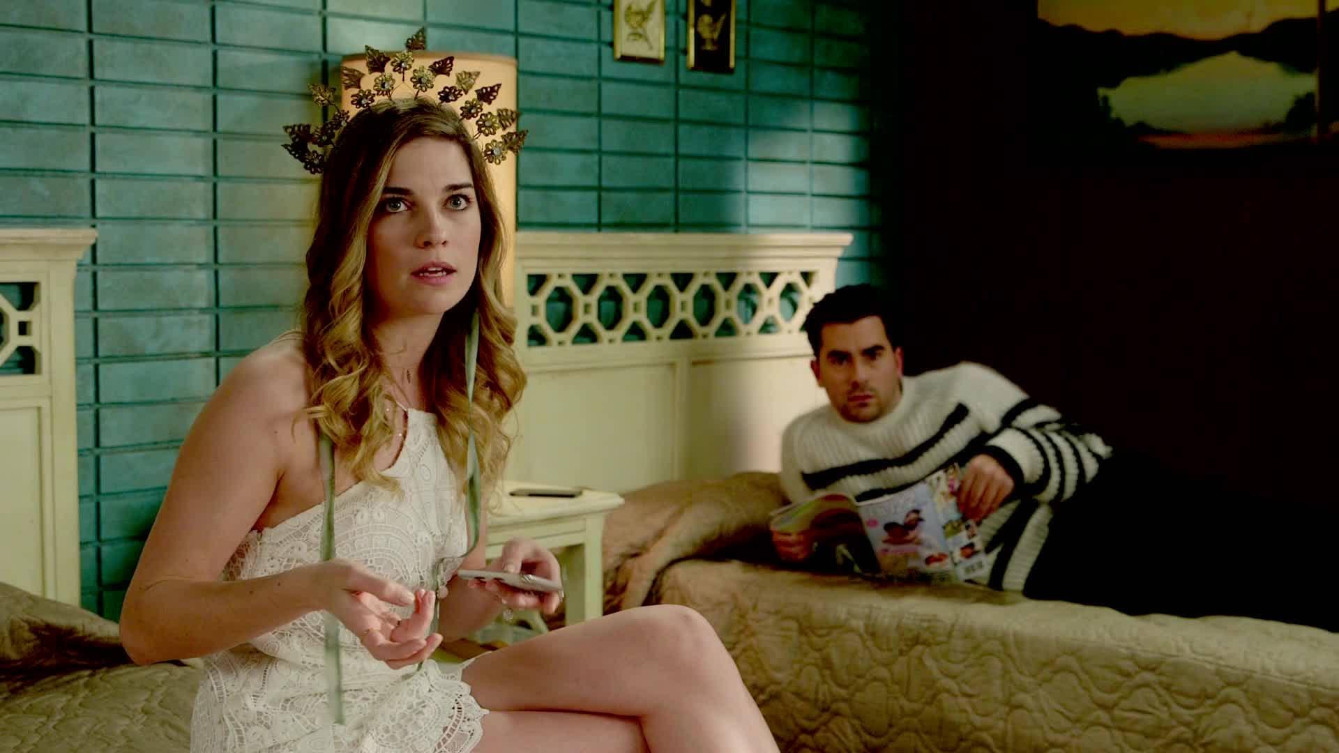 SCHITT'S CREEK Season 4 Scoop: Interview With Annie