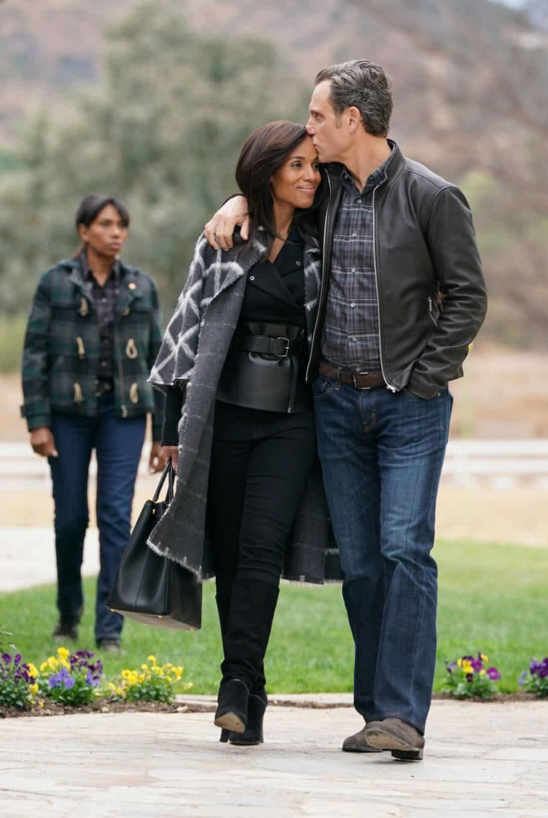 """SCANDAL - """"The People v. Olivia Pope"""" - When Olivia agrees to join Fitz in Vermont for what she thinks will be a relaxing getaway, she is shocked to find that her closest friends have orchestrated a relentless intervention. Back in Washington, Cyrus finally reveals his suspicions to Mellie about Olivia and Jake's extracurricular activities, on """"Scandal,"""" airing THURSDAY, FEB. 1 (9:00-10:00 p.m. EST), on The ABC Television Network. (ABC/Mitch Haaseth) KERRY WASHINGTON, TONY GOLDWYN"""