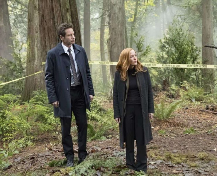 """THE X-FILES: L-R: David Duchovny and Gillian Anderson in the """"Kitten"""" episode of THE X-FILES airing Wednesday, Feb. 7 (8:00-9:00 PM ET/PT) on FOX. ©2018 Fox Broadcasting Co. Cr: Eric Millner/FOX"""