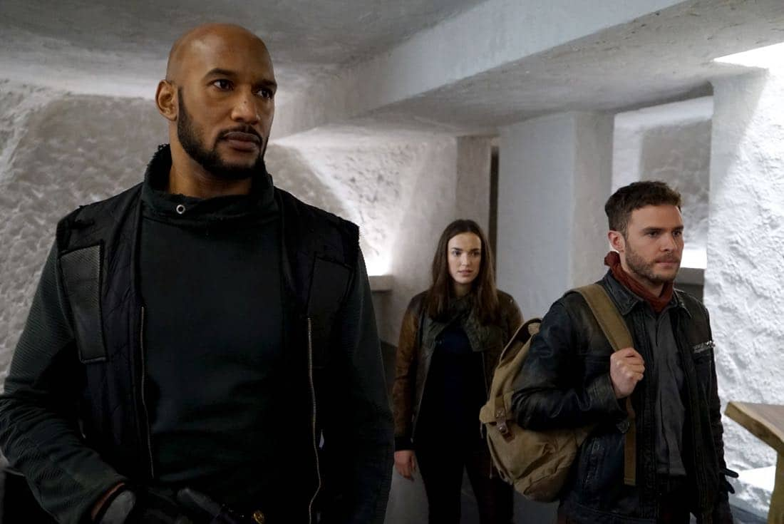"""MARVEL'S AGENTS OF S.H.I.E.L.D. - """"Past Life"""" - S.H.I.E.L.D. has one final chance to return to our timeline, but their actions may have deadly consequences, on """"Marvel's Agents of S.H.I.E.L.D.,"""" FRIDAY, FEB. 2 (9:00-10:01 p.m. EST), on The ABC Television Network.  (ABC/Eric McCandless) HENRY SIMMONS, ELIZABETH HENSTRIDGE, IAIN DE CAESTECKER"""