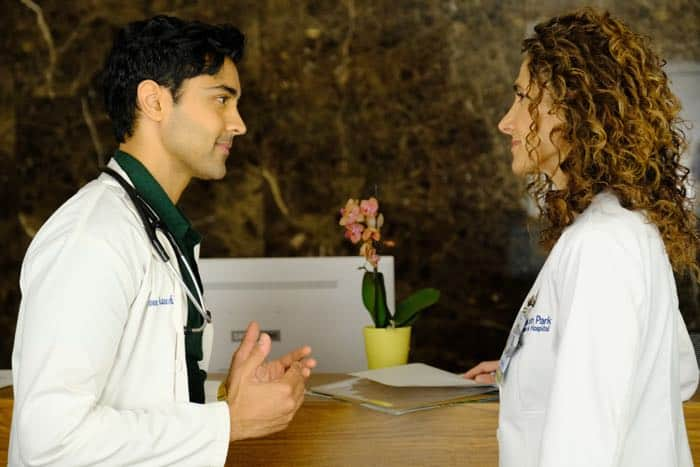 "THE RESIDENT:  L-R:  Manish Dayal and Melina Kanakaredes in the ""Identity Crisis"" episode of THE RESIDENT airing Monday, Feb. 5 (8:00-9:00 PM ET/PT) on FOX.  ©2018 Fox Broadcasting Co.  Cr:  Guy D'Alema/FOX"