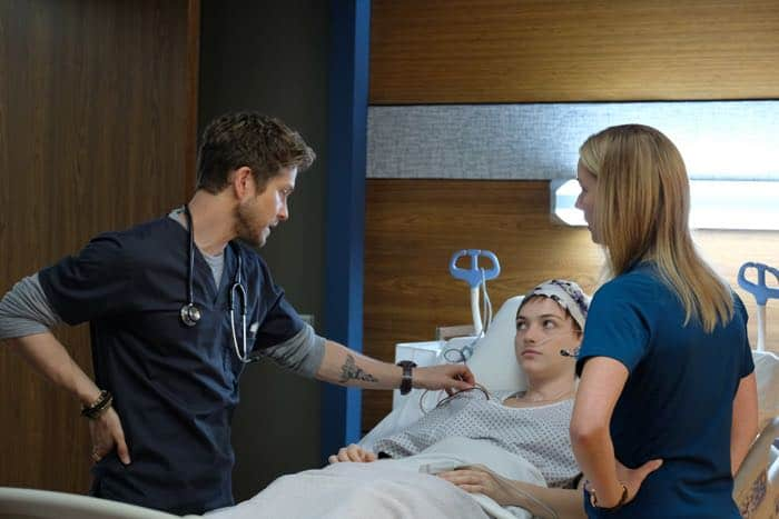 "THE RESIDENT:  L-R:  Matt Czuchry, guest star Violett Beane and Emily VanCamp in the ""Identity Crisis"" episode of THE RESIDENT airing Monday, Feb. 5 (8:00-9:00 PM ET/PT) on FOX.  ©2018 Fox Broadcasting Co.  Cr:  Guy D'Alema/FOX"