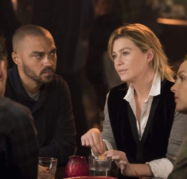 """GREYS ANATOMY - """"Harder, Better, Faster, Stronger"""" - April is in charge of the new Grey Sloan Surgical Innovation Contest, and the doctors are eager to start their projects. Meanwhile, Catherine's old friend has a shocking idea for Catherine and Jackson; and Meredith treats a returning patient who inspires her project, on """"Grey's Anatomy,"""" THURSDAY, FEB. 8 (8:00-9:00 p.m. EST), on The ABC Television Network. (ABC/Mitch Haaseth) JESSE WILLIAMS, ELLEN POMPEO, CAMILLA LUDDINGTON"""