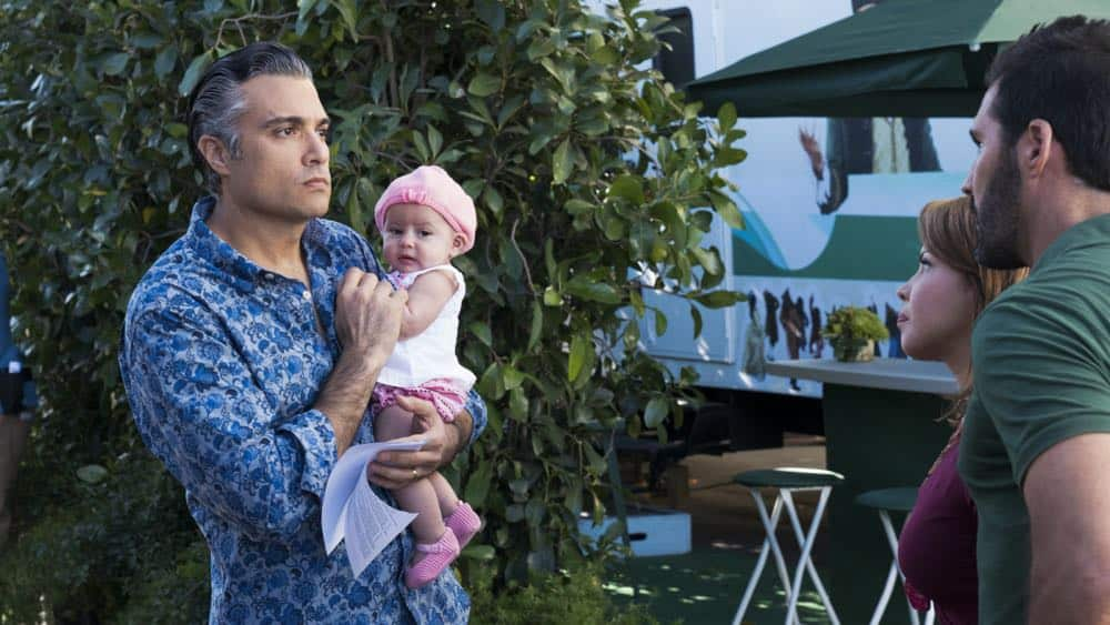 """Jane The Virgin -- """"Chapter Seventy-Three"""" -- Image Number: JAV409a_0077.jpg -- Pictured (L-R): Jaime Camil as Rogelio, Justina Machado as Darci and Keller Wortham as Esteban -- Photo: Michael Desmond/The CW -- © 2018 The CW Network, LLC. All Rights Reserved."""