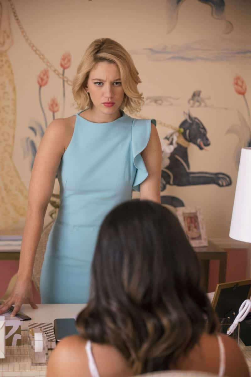 """Jane The Virgin -- """"Chapter Seventy-Four"""" -- Image Number: JAV410c_0060.jpg -- Pictured (L-R): Yael Grobglas as Petra and Gina Rodriguez as Jane -- Photo: Lisa Rose/The CW -- © 2018 The CW Network, LLC. All Rights Reserved."""