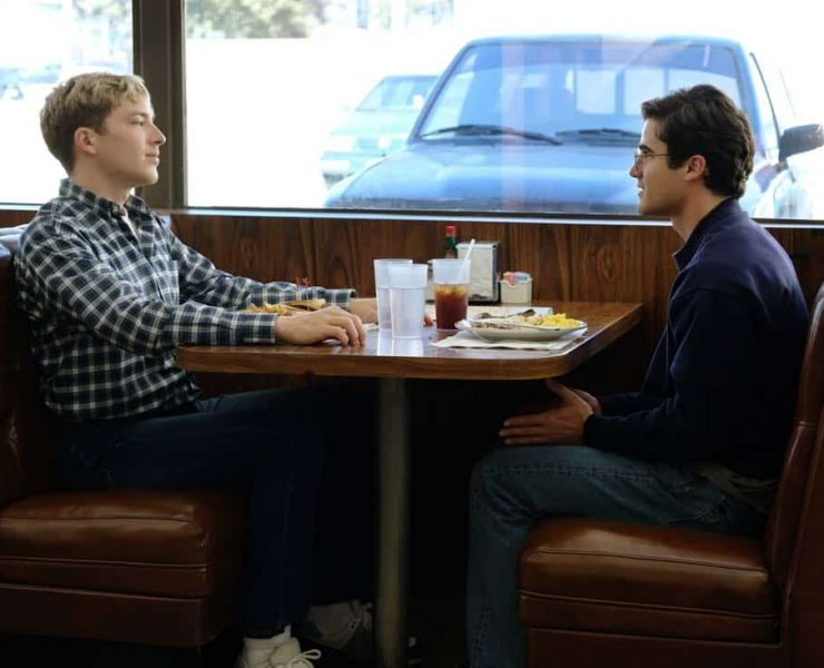 """THE ASSASSINATION OF GIANNI VERSACE: AMERICAN CRIME STORY """"House by the Lake"""" Episode 4 (Airs Wednesday, February 7, 10:00 p.m. e/p) -- Pictured: (l-r) Cody Fern as David Madson, Darren Criss as Andrew Cunanan. CR: Ray Mickshaw/FX"""