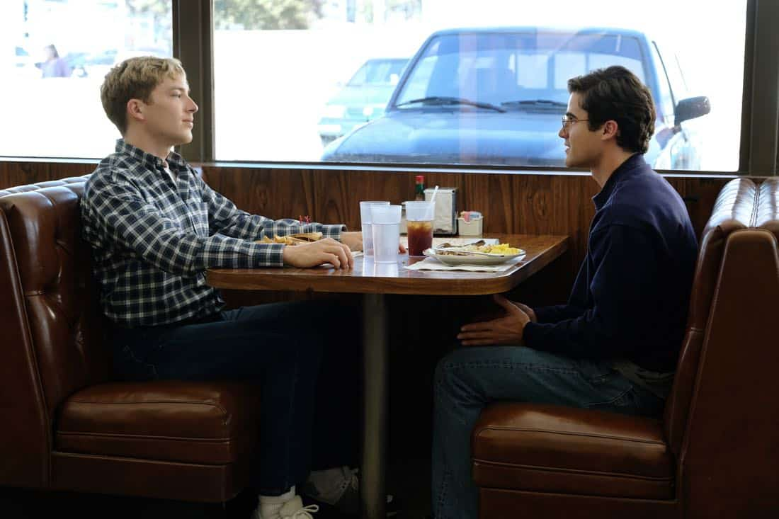 "THE ASSASSINATION OF GIANNI VERSACE: AMERICAN CRIME STORY ""House by the Lake"" Episode 4 (Airs Wednesday, February 7, 10:00 p.m. e/p) -- Pictured: (l-r) Cody Fern as David Madson, Darren Criss as Andrew Cunanan. CR: Ray Mickshaw/FX"