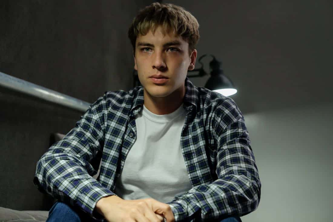 "THE ASSASSINATION OF GIANNI VERSACE: AMERICAN CRIME STORY ""House by the Lake"" Episode 4 (Airs Wednesday, February 7, 10:00 p.m. e/p) -- Pictured: Cody Fern as David Madson. CR: Ray Mickshaw/FX"