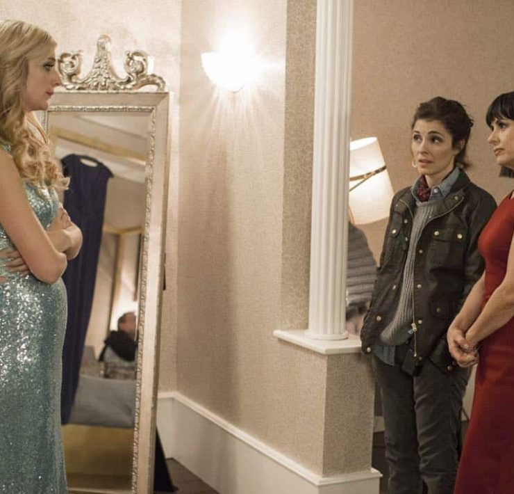 (L to R) Caitlin FitzGerald, Shiri Appleby and Constance Zimmer star in Season 3 of Lifetime's hit drama UnREAL, premiering Monday, February 26, 2018 at 10pm ET/PT. Photo by James Dittiger Copyright 2018