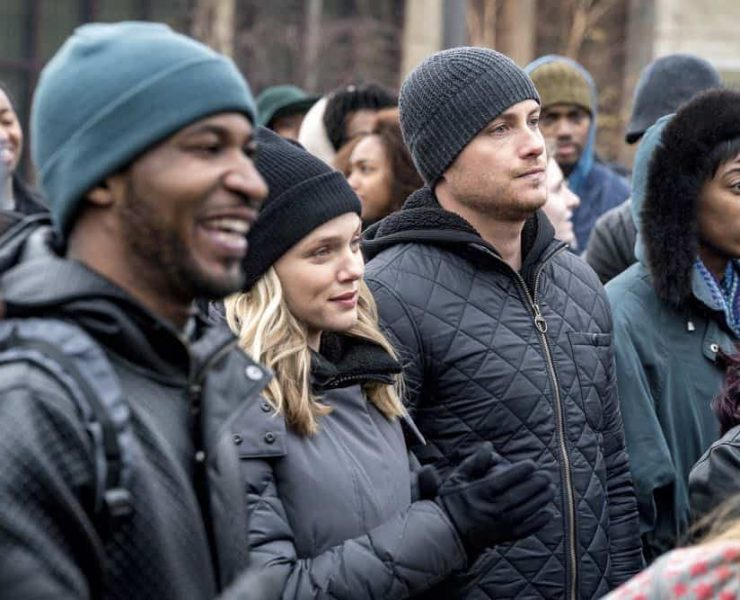 """CHICAGO P.D. -- """"Anthem"""" Episode 514 -- Pictured: (l-r) Tracy Spiridakos as Hailey Upton, Jesse Lee Soffer as Jay Halstead -- (Photo by: Matt Dinerstein/NBC)"""