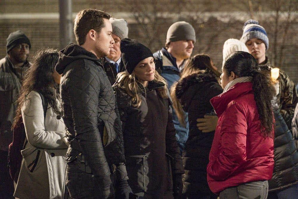 """CHICAGO P.D. -- """"Anthem"""" Episode 514 -- Pictured: (l-r) Jesse Lee Soffer as Jay Halstead, Tracy Spiridakos as Hailey Upton -- (Photo by: Matt Dinerstein/NBC)"""