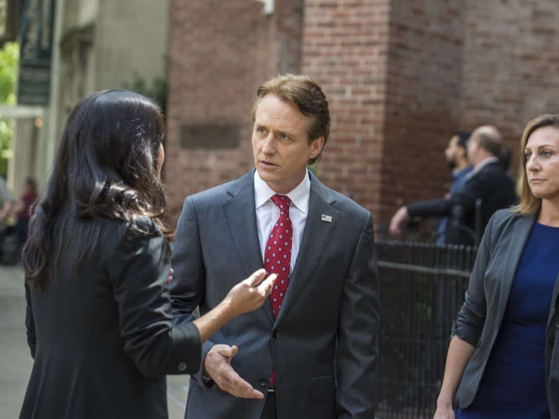 "Linus Roache as Wellington in HOMELAND (Season 7, Episode 01, ""Enemy of the State"") - Photo: Jacob Coppage/SHOWTIME - Photo: HOMELAND_701_3144.R.jpg"