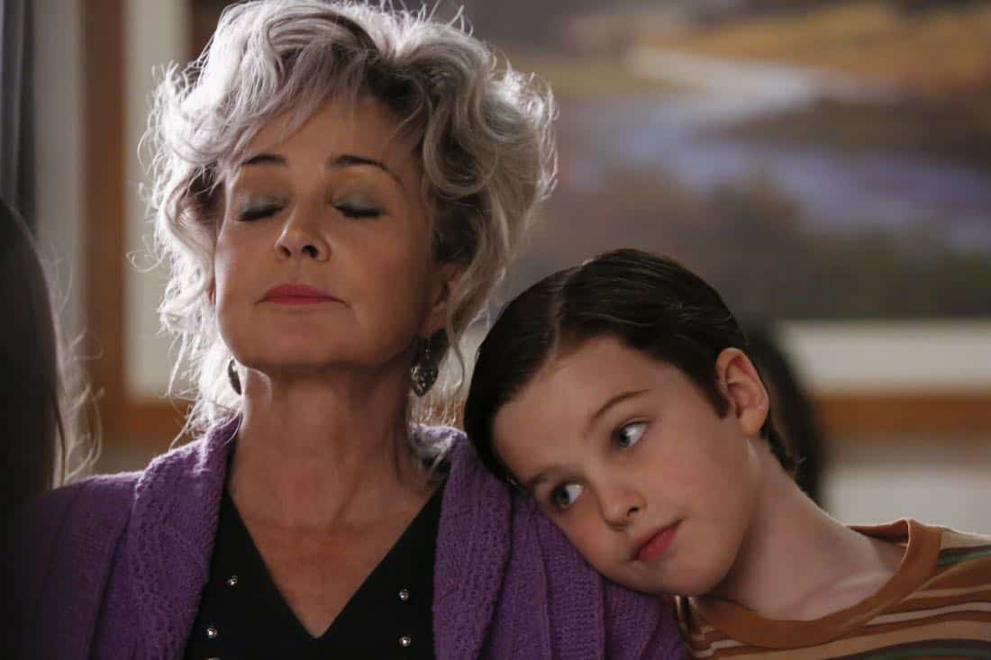"""Poker, Faith, and Eggs""-- Pictured: Meemaw (Annie Potts) and Sheldon (Iain Armitage). When George Sr. is rushed to the emergency room, Meemaw (Annie Potts) comes to babysit, and the kids have an adventure getting to the hospital on their own, when YOUNG SHELDON airs, Thursday Nov. 9 (8:31-9:01 PM, ET/PT) on the CBS Television Network. Photo: Robert Voets/Warner Bros. Entertainment Inc. © 2017 WBEI. All rights reserved."