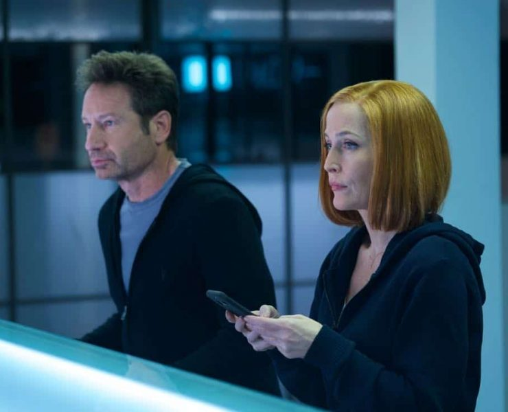 """THE X-FILES: L-R: David Duchovny and Gillian Anderson in the """"Rm9sbG93ZXJz"""" episode of THE X-FILES airing Wednesday, Feb. 28 (8:00-9:00 PM ET/PT) on FOX. ©2018 Fox Broadcasting Co. Cr: Shane Harvey/FOX"""